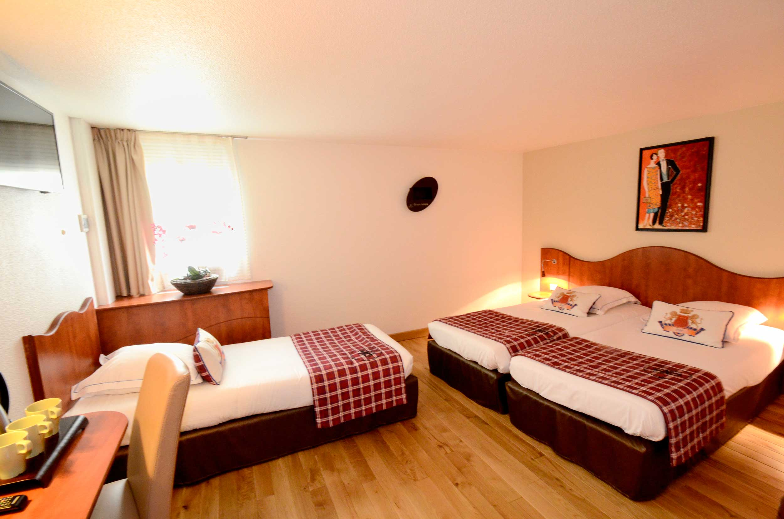 Green h tels chambres triple for Roissy chambres