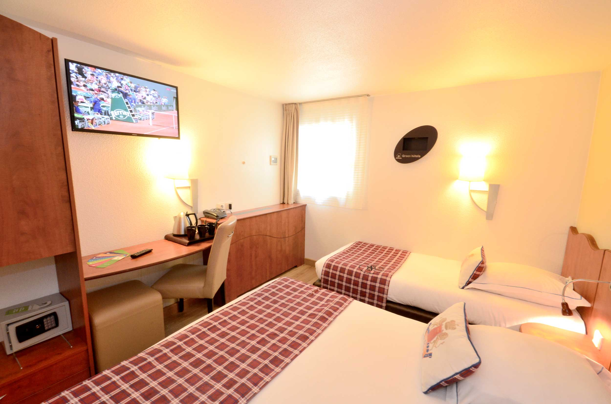 Green h tels chambre twin for Roissy chambres
